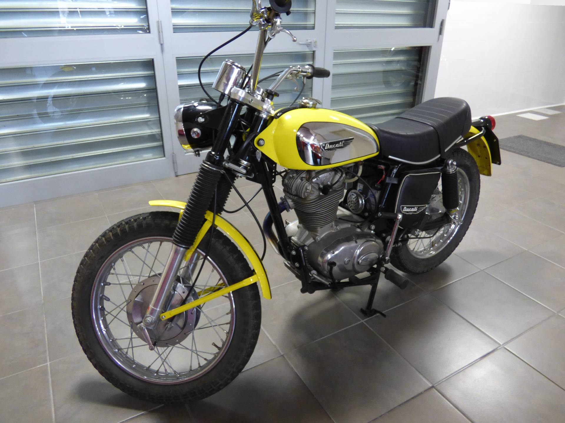 ducati 450 scrambler 1969 in vendita a eur. Black Bedroom Furniture Sets. Home Design Ideas