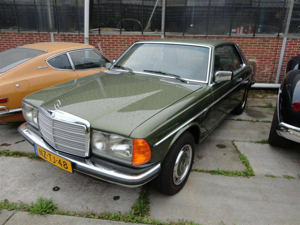mercedes benz 280 ce 1977 for sale classic trader. Black Bedroom Furniture Sets. Home Design Ideas