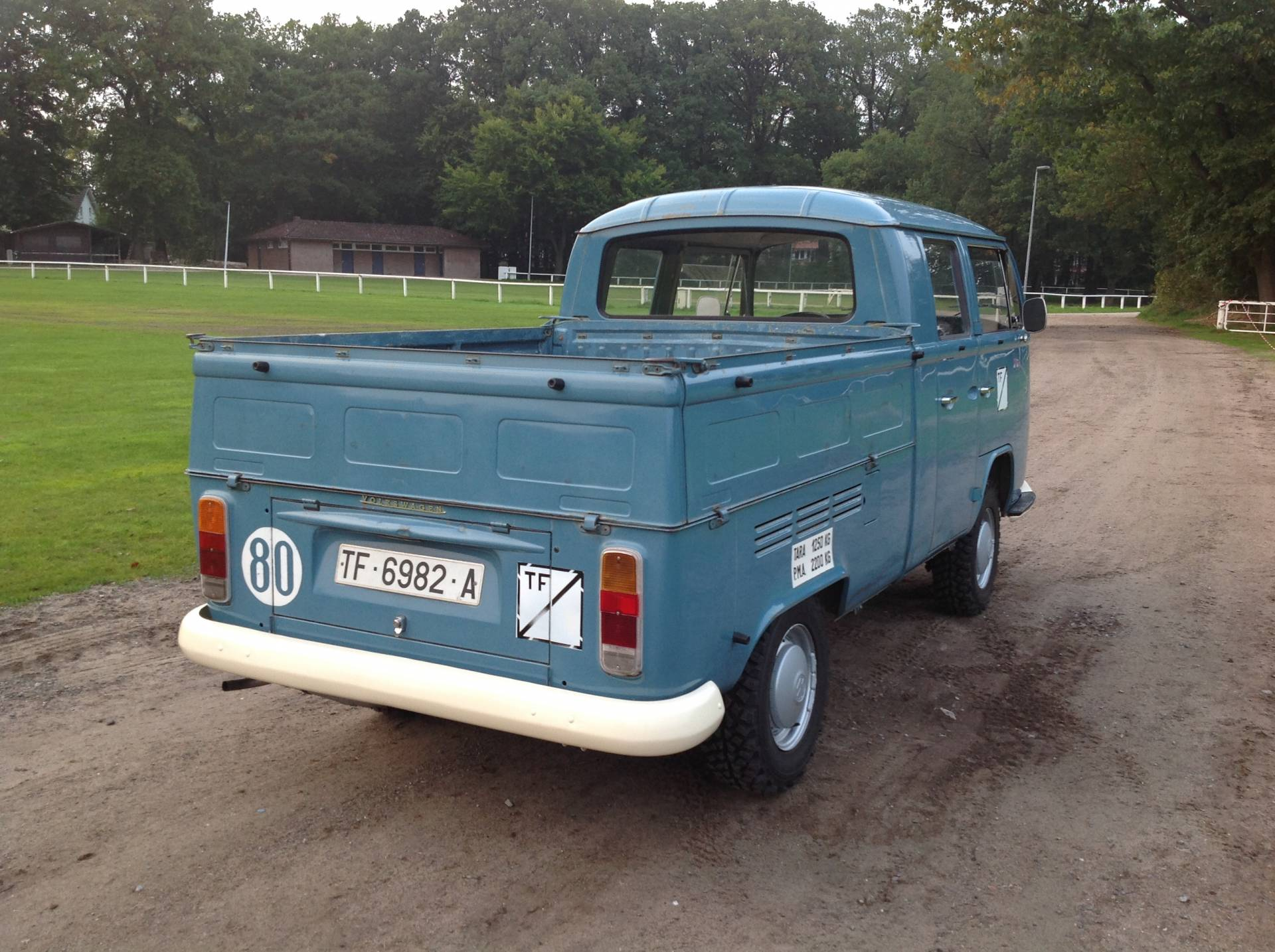 For Sale: Volkswagen T2b pickup double cabin (1972) offered for GBP ...