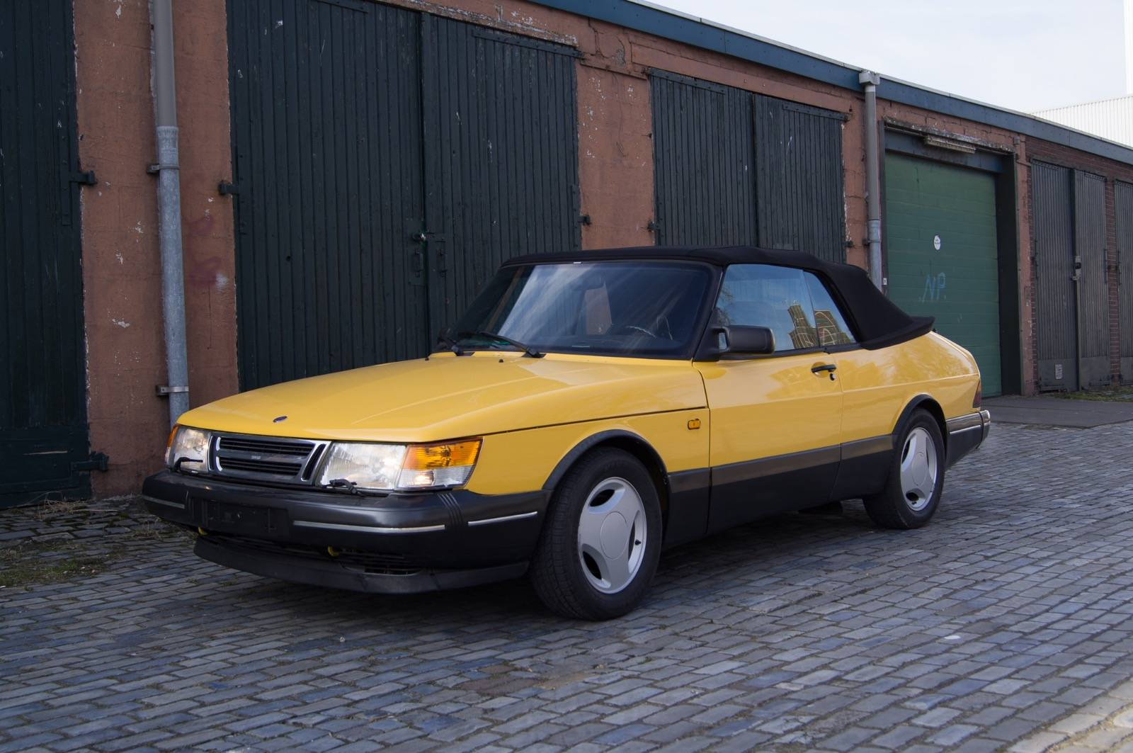 For Sale: Saab 900 SE Monte Carlo (1991) offered for GBP 30,816