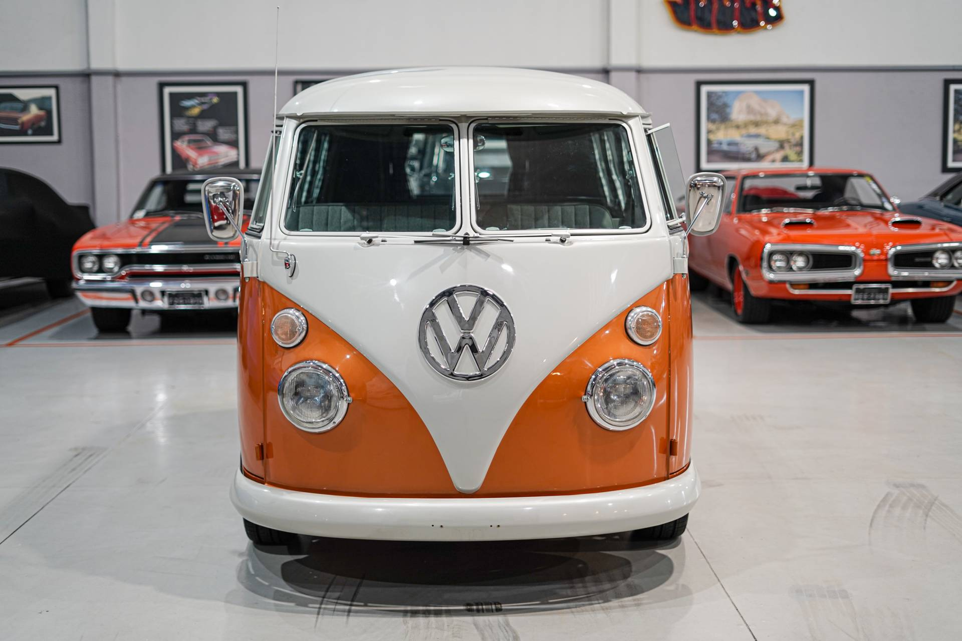 Volkswagen T1 Brasil - TRAUM Bulli 1973 orange-metallic