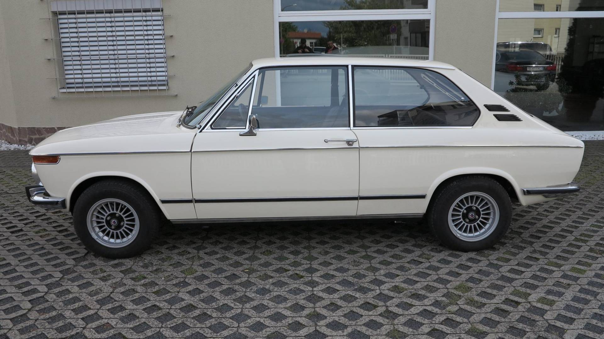 bmw 2002 touring 1973 kaufen classic trader. Black Bedroom Furniture Sets. Home Design Ideas