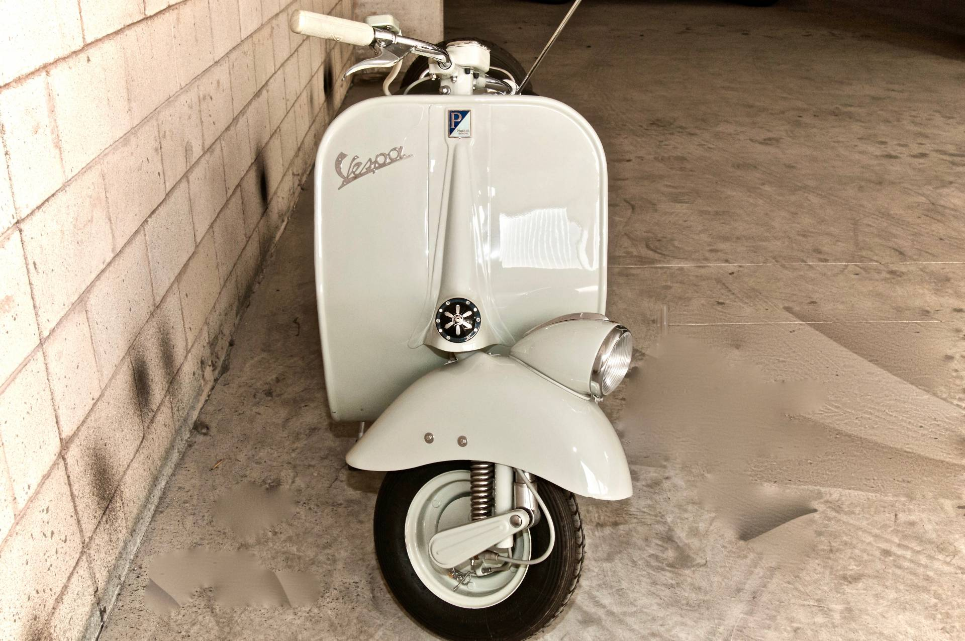 for sale piaggio vespa 125 1954 offered for aud 16 704. Black Bedroom Furniture Sets. Home Design Ideas