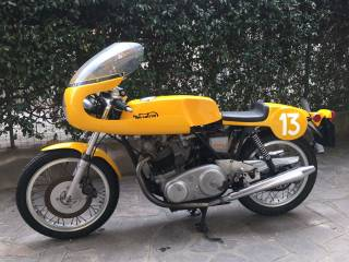 Norton Commando 750 Production Racer