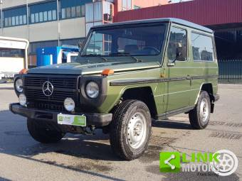 Mercedes-Benz 250 GD (SWB)