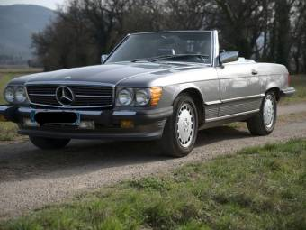 Mercedes-Benz 560 SL