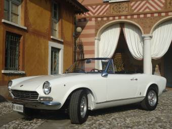 Fiat Spider For Sale >> Fiat 124 Classic Cars For Sale Classic Trader