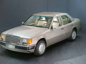 Mercedes-Benz 300 E 4-Matic