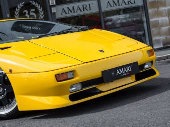 Lamborghini Diablo Clic Cars for Sale - Clic Trader on lamborghini all silver, lamborghini estoque silver, lamborghini miura silver, lamborghini murcielago silver, lamborghini aventador silver, lamborghini gallardo silver,