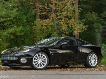Aston Martin Classic Cars For Sale Classic Trader - Old aston martin vanquish