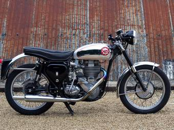 BSA DBD 34 Gold Star