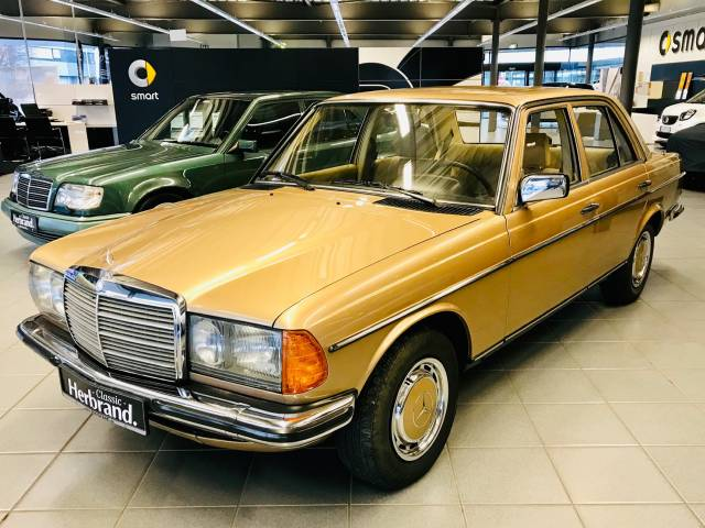 c41637647b For Sale  Mercedes-Benz 280 E (1983) offered for GBP 17