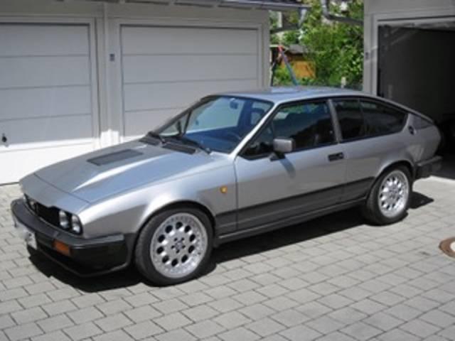 Alfa Romeo Alfetta GTV 6 2.5