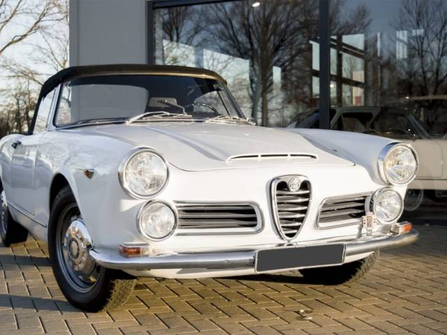 for sale alfa romeo 2600 spider 1965 offered for gbp 97 504. Black Bedroom Furniture Sets. Home Design Ideas