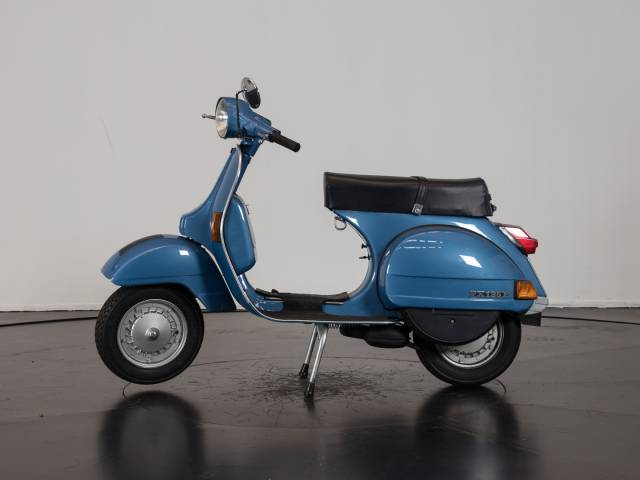 piaggio vespa px 125 e 1982 f r chf 4 39 082 kaufen. Black Bedroom Furniture Sets. Home Design Ideas