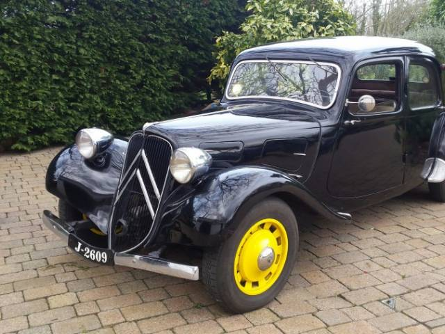 citroen traction avant d 39 occasion de 1939 9 344 km 19 326. Black Bedroom Furniture Sets. Home Design Ideas