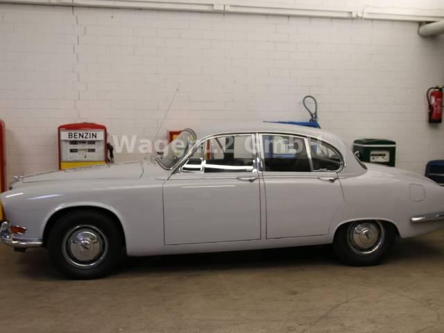 jaguar 420 occasion petites annonces de voitures d 39 occasion. Black Bedroom Furniture Sets. Home Design Ideas