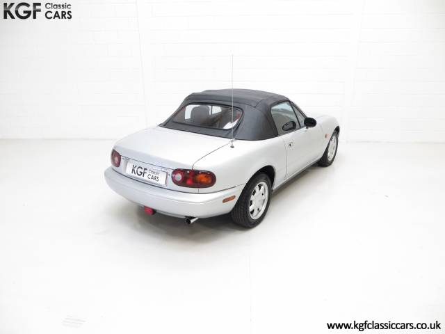 mazda mx 5 d 39 occasion de 1990 72 735 km 3 376. Black Bedroom Furniture Sets. Home Design Ideas