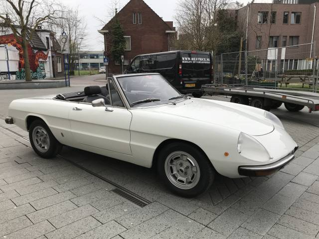 For Sale Alfa Romeo Spider Veloce Offered For GBP - Alfa romeo spider 1974 for sale