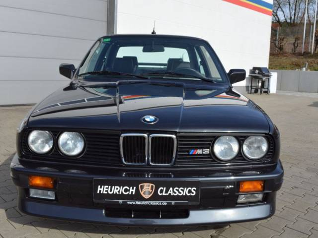 used bmw serie 3 of 1986 169 300 km at 52 850. Black Bedroom Furniture Sets. Home Design Ideas
