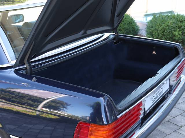 For Sale: Mercedes-Benz 380 SL (1984) offered for GBP 27,594