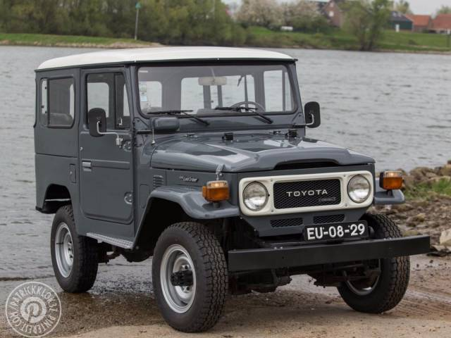 toyota land cruiser d 39 occasion de 1981 155 998 km 15 500. Black Bedroom Furniture Sets. Home Design Ideas
