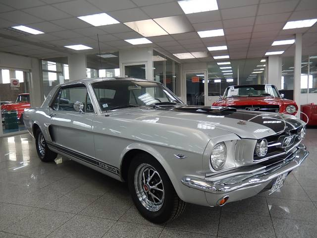 annonce ford mustang d 39 occasion de 1965 26 000. Black Bedroom Furniture Sets. Home Design Ideas
