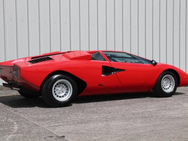 lamborghini countach d 39 occasion de 1977 58 000 km 1 166 583. Black Bedroom Furniture Sets. Home Design Ideas