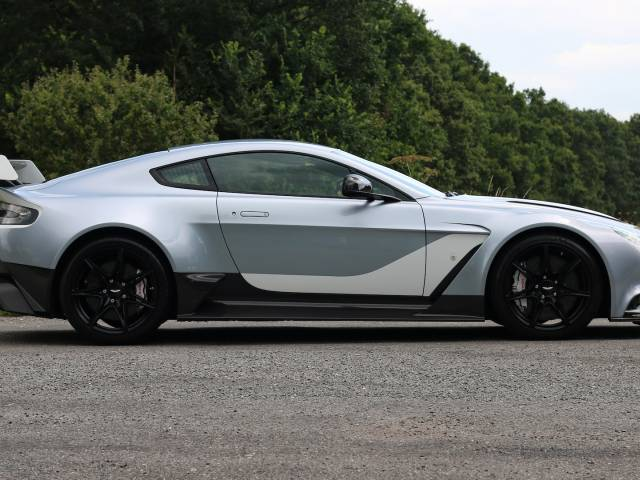For Sale Aston Martin Vantage Gt12 2015 Offered For Gbp 329 950