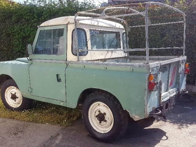 land rover 88 1973 in vendita a eur. Black Bedroom Furniture Sets. Home Design Ideas