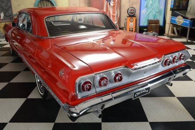 voiture chevrolet impala occasion de 1963 pour 27950. Black Bedroom Furniture Sets. Home Design Ideas