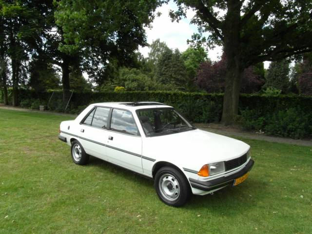 Peugeot 305 - Peugeot 305 GL - First owner