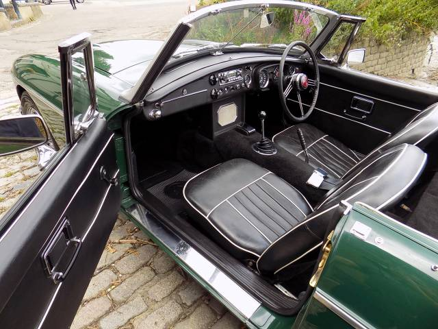 For Sale: MG MGC (1969) offered for GBP 34,995