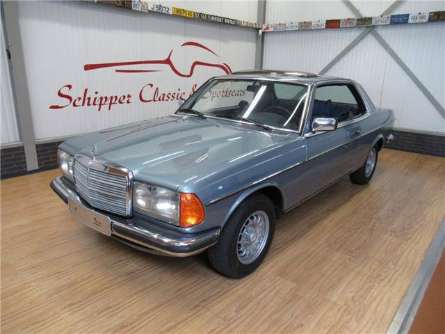 For Sale: Mercedes-Benz 280 CE (1977) offered for GBP 11,607