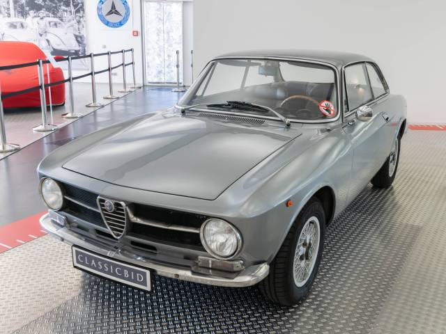 For Sale Alfa Romeo Giulia GT Junior Offered For GBP - Alfa romeo giulia 1972
